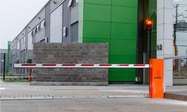 Barreras Automáticas para Parking y Garajes - barrera-automatica-parking-conmpas.jpg