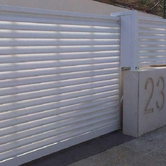Puertas Correderas de Garaje e Industriales - Particulares y Empresas - puertas-garaje-correderas-veneciana-conmpas.jpg
